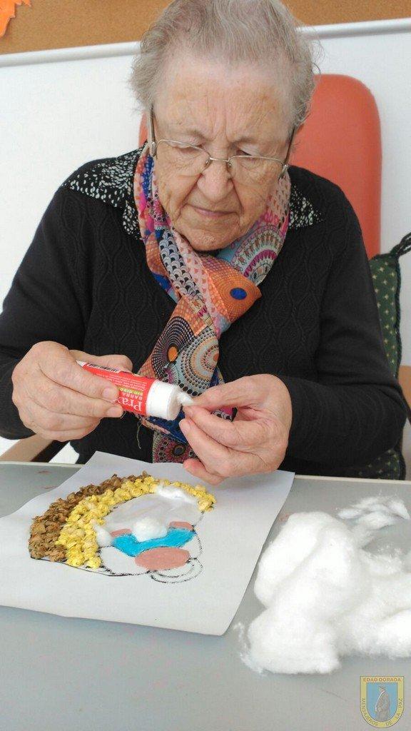 Navidad 2016 en residencia Madre, taller de manualidades